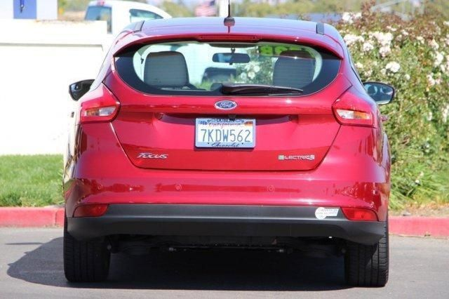 Электро Ford Focus EV 2015