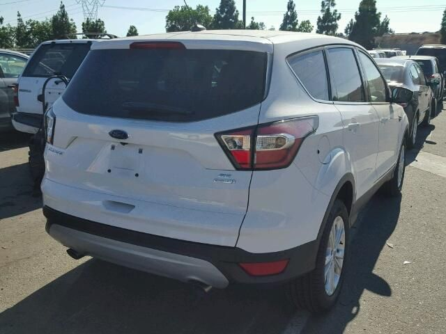 Вне дорожник FORD ESCAPE SE